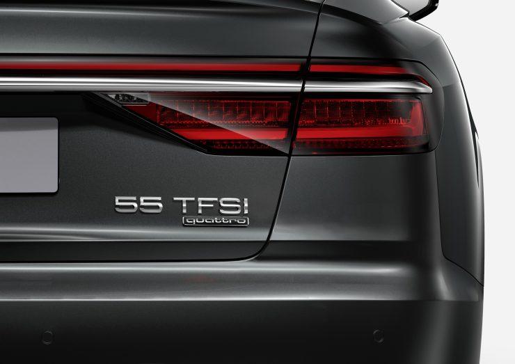 Audi A8 55 TFSI Heck mit neuer Nomenklatur