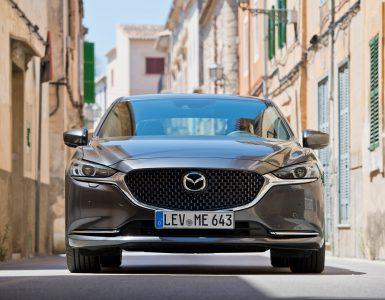 Der neue Mazda 6 2018 in Mallorca von vorne fotografiert.