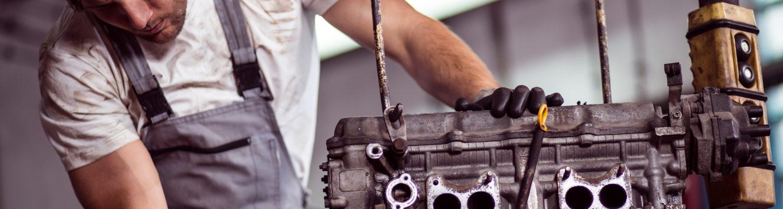 Automotor wird überprüft